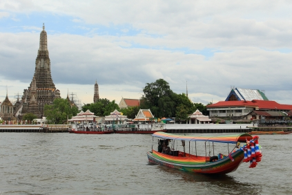 Wat Arun and long-tail boat